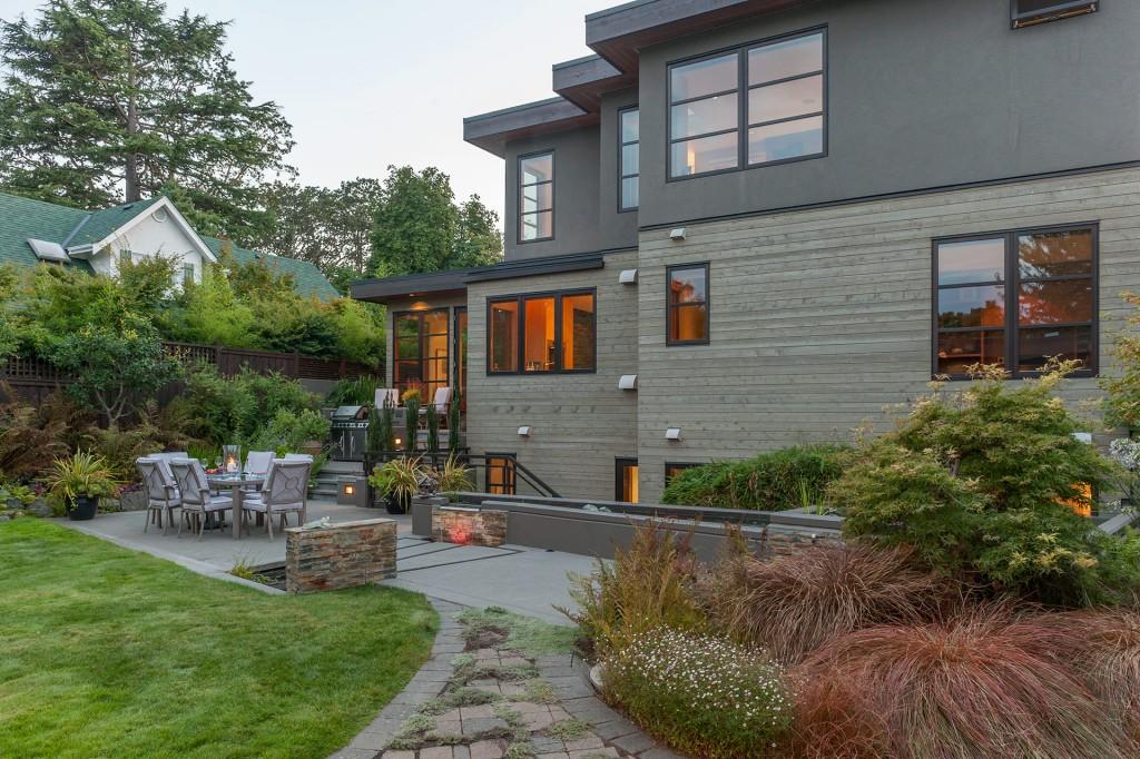 Landscape Design Enhances West Coast Living