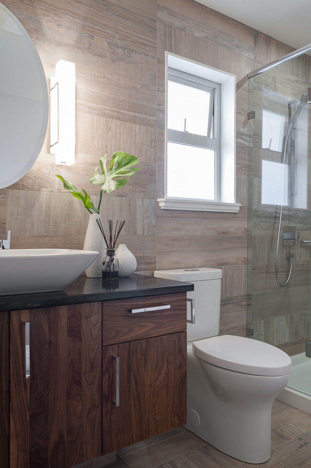 Small Bathroom Renovation Loaded With Style – Modern Home ...